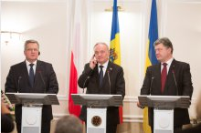 The visit by Polish and Ukrainian Presidents Bronisław Komorowski and Petro Poroshenko in the Moldova.'
