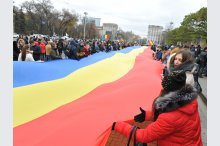 Over 1,000 young Moldovans protest against presidential polls' results'