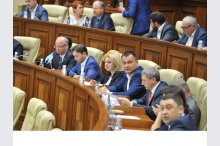 The parliament convened into plenary meeting'